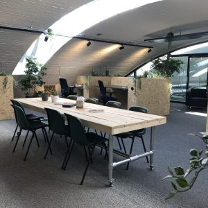 Splendorflex Cowork flex werkplekken in de Splendorfabriek - lunchtafel